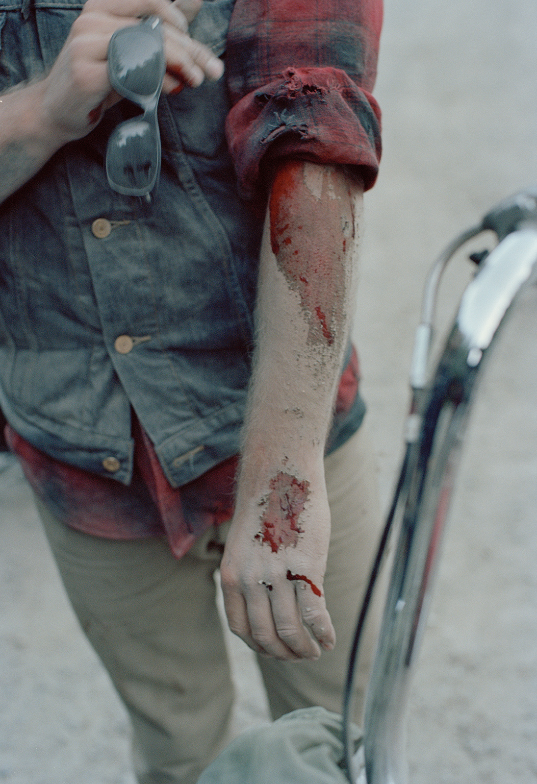 disaster-days-darren-bloody-arm-2012.jpg